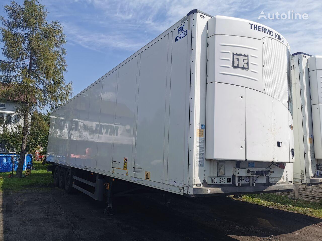 SCHMITZ CARGOBULL Sko24 refrigerated semi-trailer