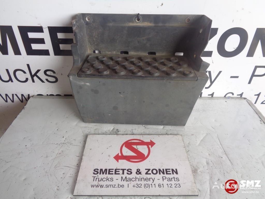 MERCEDES-BENZ Occ opstapbak links footboard for truck