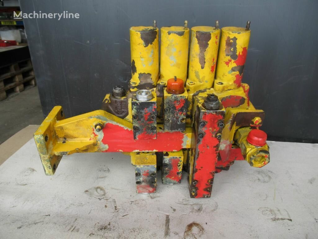 hydraulic distributor for DEMAG H21 excavator
